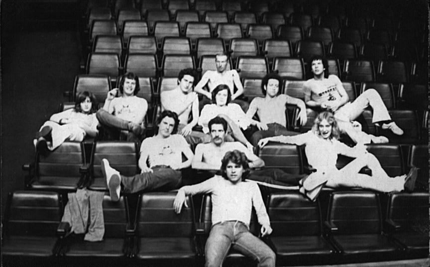 Grupo Galáxia na platéia do Teatro da Assembléia Legislativa, em Porto Alegre (atual Teatro Dante Barone).Setembro de 1977. Foto: Milton Moraes.