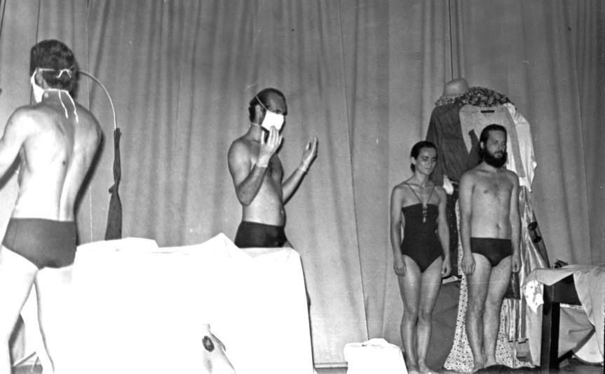 Carlos Becker (de costas), Java Bonamigo (com máscara), Daisy da Silva e Heitor Schmidt