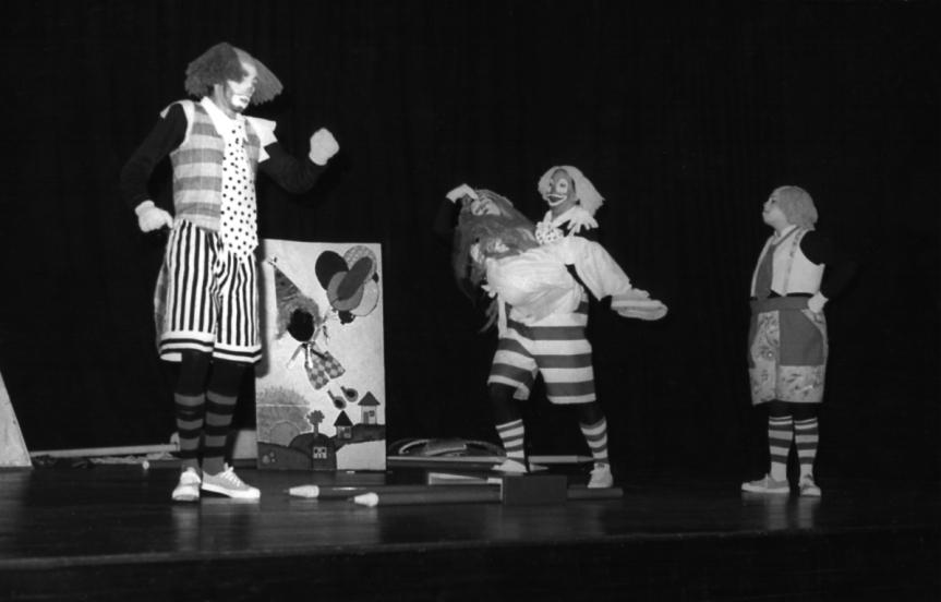 Cartolo (Carlos Becker) Dalila (Daisy da Silva), Chucrut (Heitor Schmidt) e Salsicha (Cida Mendes)