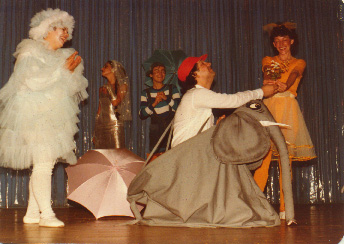 Tia Nuvem (Aparecida Mendes), Sereia (Liliane de Souza), Pingo de Chuva (Daisy da Silva), Príncipe Elefântico (Heitor Schmidt) e Ova de Peixe (Lídia Allebrandt)