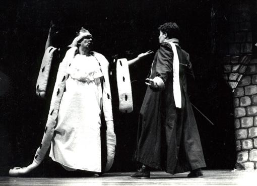 O Rei (Heitor Schmidt) e o Pequeno Príncipe (Heloísa Palaoro)