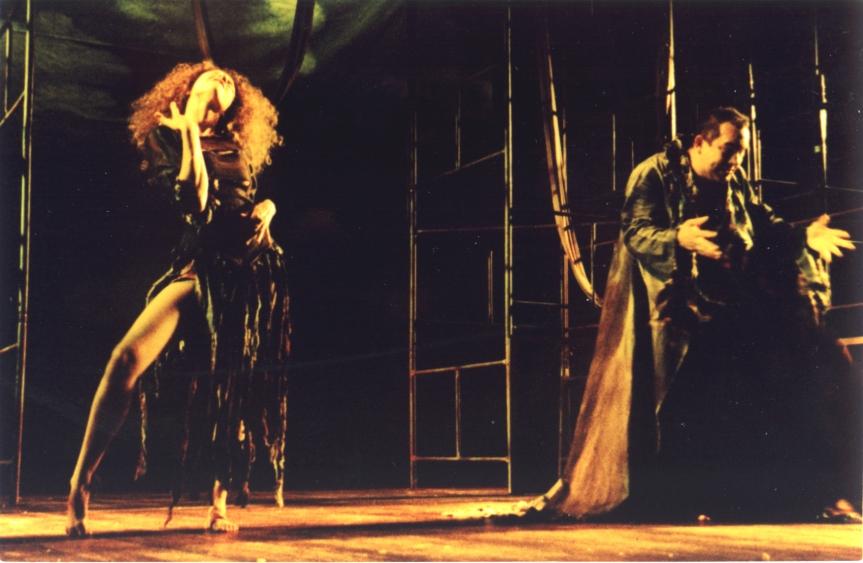 Salomé (Fernanda Carvalho Leite) e o Diabo (Heitor Schmidt)