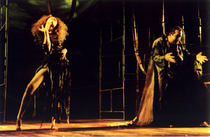 O Concílio do Amor - Fernanda Carvalho Leite (Salomé) e Heitor Schmidt (Diabo - 2003 (Foto: