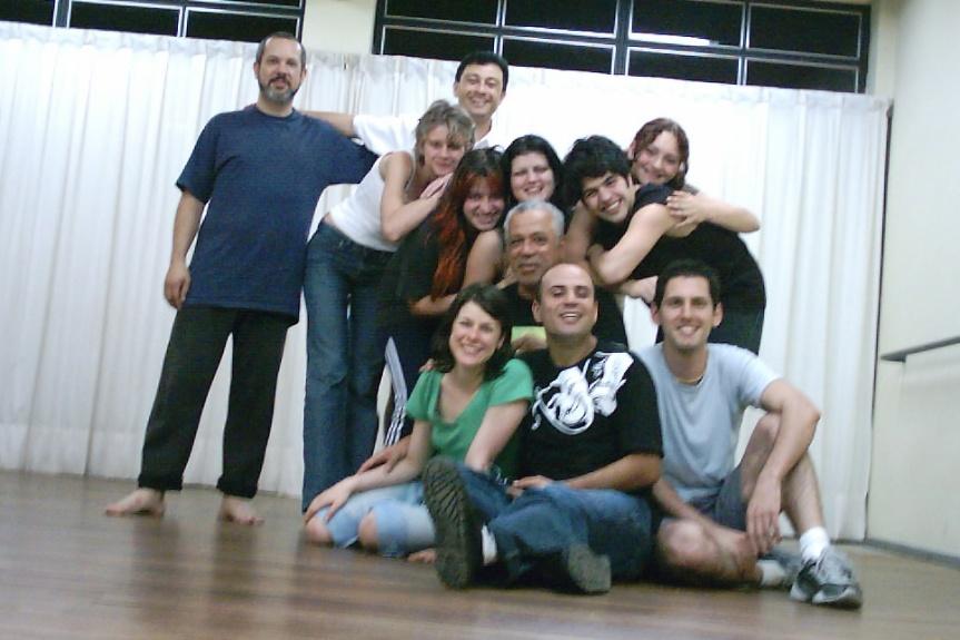 Turma de teatro UERGS - 2004. Comp. Courricular: Improvisação. prof. Carlos Mödinger.